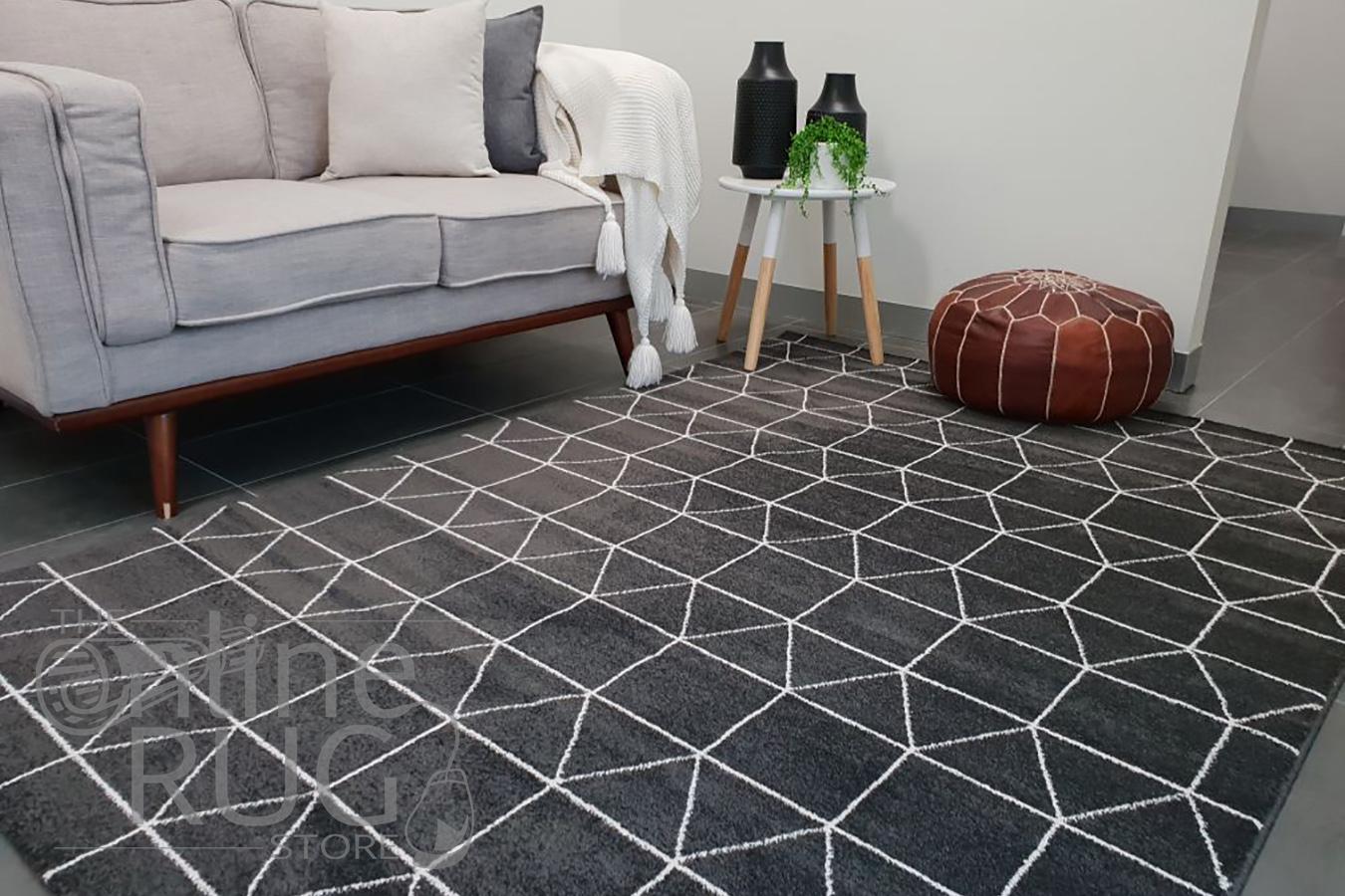 Sienna Black Geometric Rug