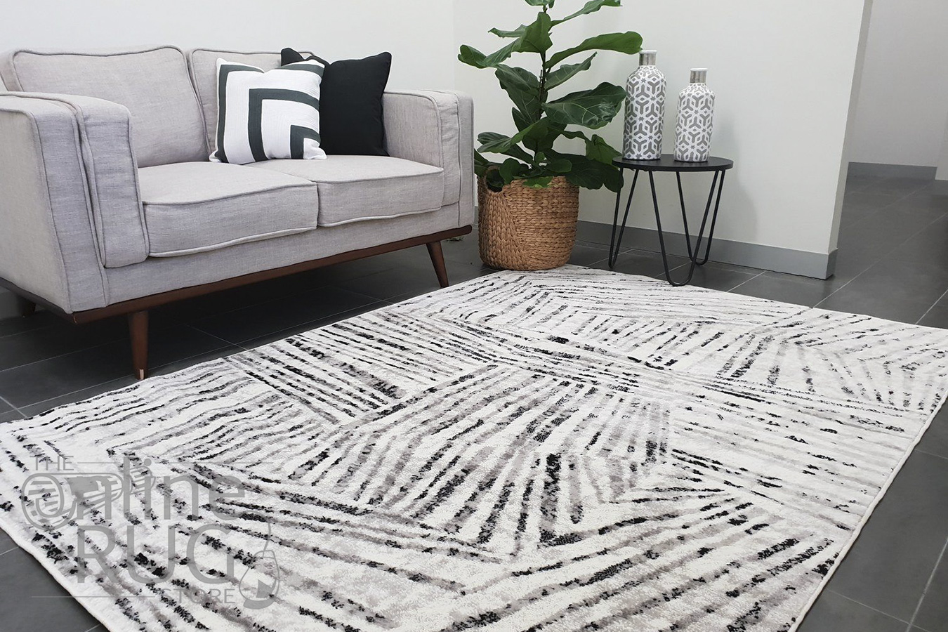 Rayna Ivory Black Geometric Prints Rug